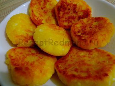 Сырники в мультиварке Redmond