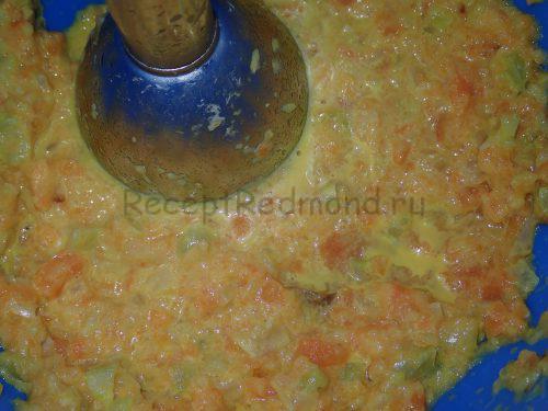 Измельчите овощи блендером